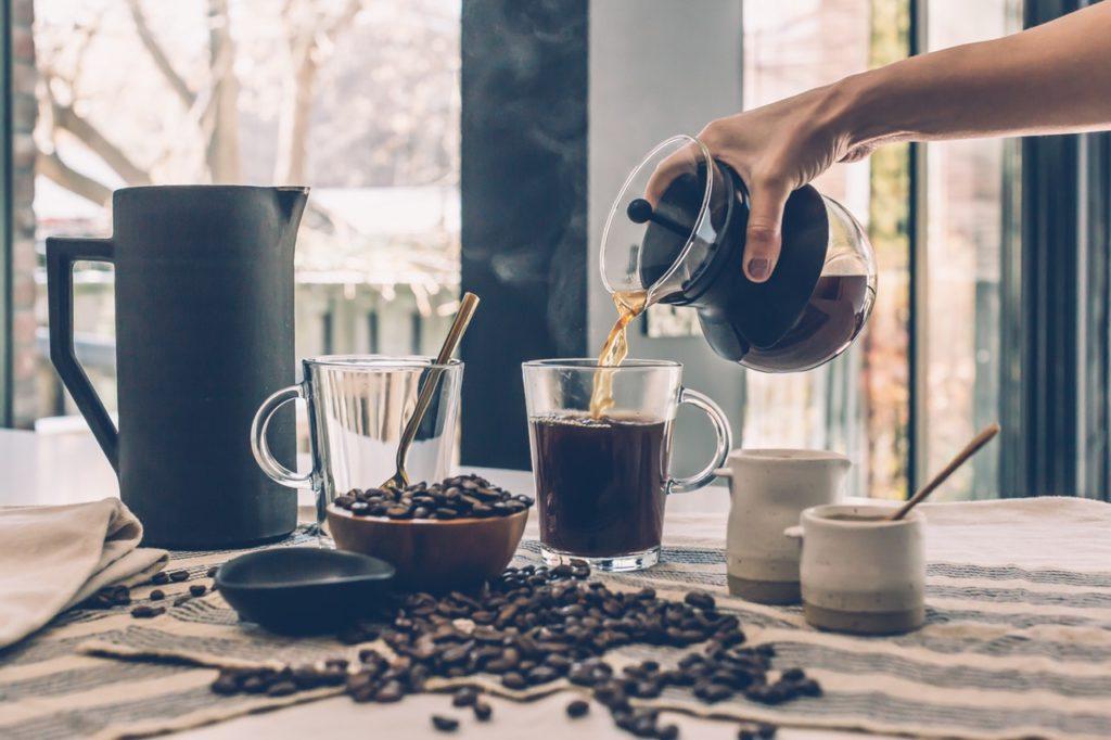 Pour the coffee into mug